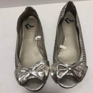 Report Silver ballet flats with bow size 10